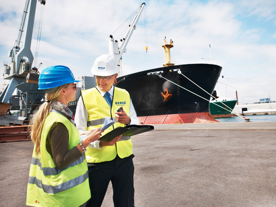 Enrolment is now open for the III edition of the Master's Degree in Maritime Business and Associated Logistics, run by the University of Cantabria and BERGÉ